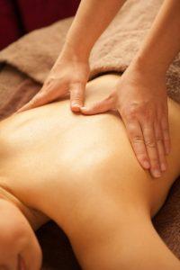 完全個室の女性専用のエステで、リンパマッサージの施術をうけるとスリム効果もあがります。